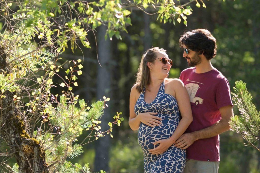 photographe photo grossesse naturel exterieur aix en provence marseille toulon enceinte lac femme enceinte fun complicité;